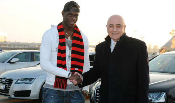 Mario  Balotelli ne Adriano Galliani.