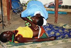 File photo: Omusawo nga koola kumulwadde