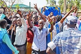 Gavumenti esabiddwa kunsimbi z'abayizi