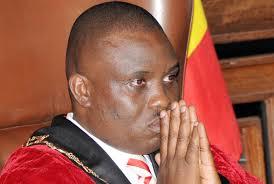 Lukwago alumbye kcca kunsimbi za kasasiro
