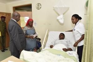 File Photo:Museveni ngali mudwaliro okulaba ku Namayanja