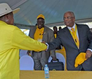 File Photo: Mbabazi nga buza Museveni