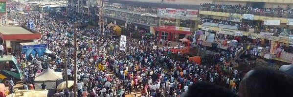 Besigye awandiisiddwa