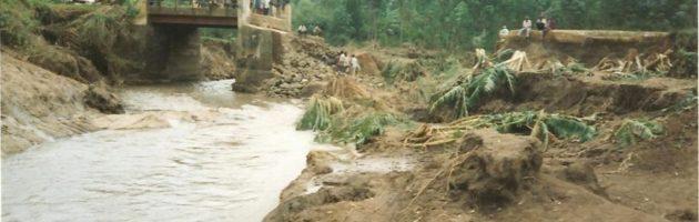 Abantu 2000 bebakoseddwa enkuba e Bundibugyo