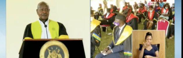 Museveni asomozza ab'eKyambogo ku basomesa ba sayansi