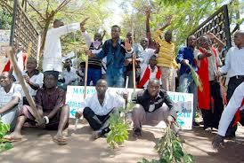 muk demonstrators