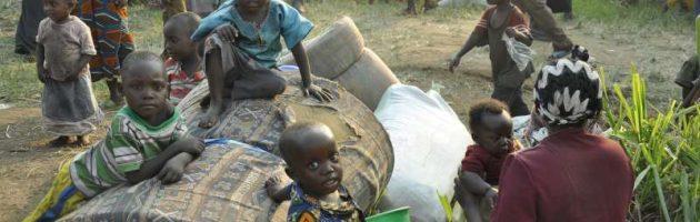 Bannansi ba South Sudan bongedde okuyingira Uganda mu bubba