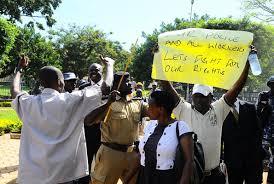 workers demonstrate